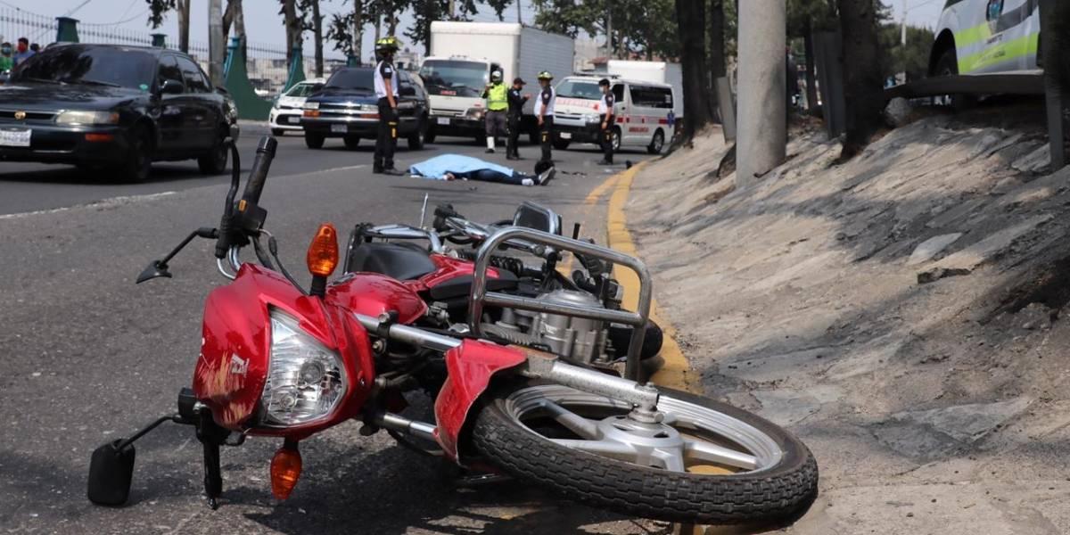 Motoristas son atropellados en el Periférico