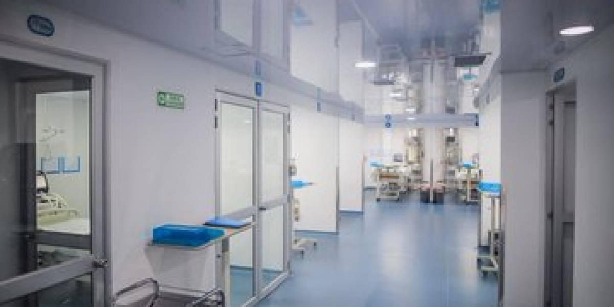 Mujer se habría quitado la vida mientras estaba hospitalizada y a la espera del resultado de la prueba de coronavirus