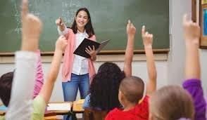Ser maestro de uno de los trabajos más famosos que existen porque construyen nuestro futuro