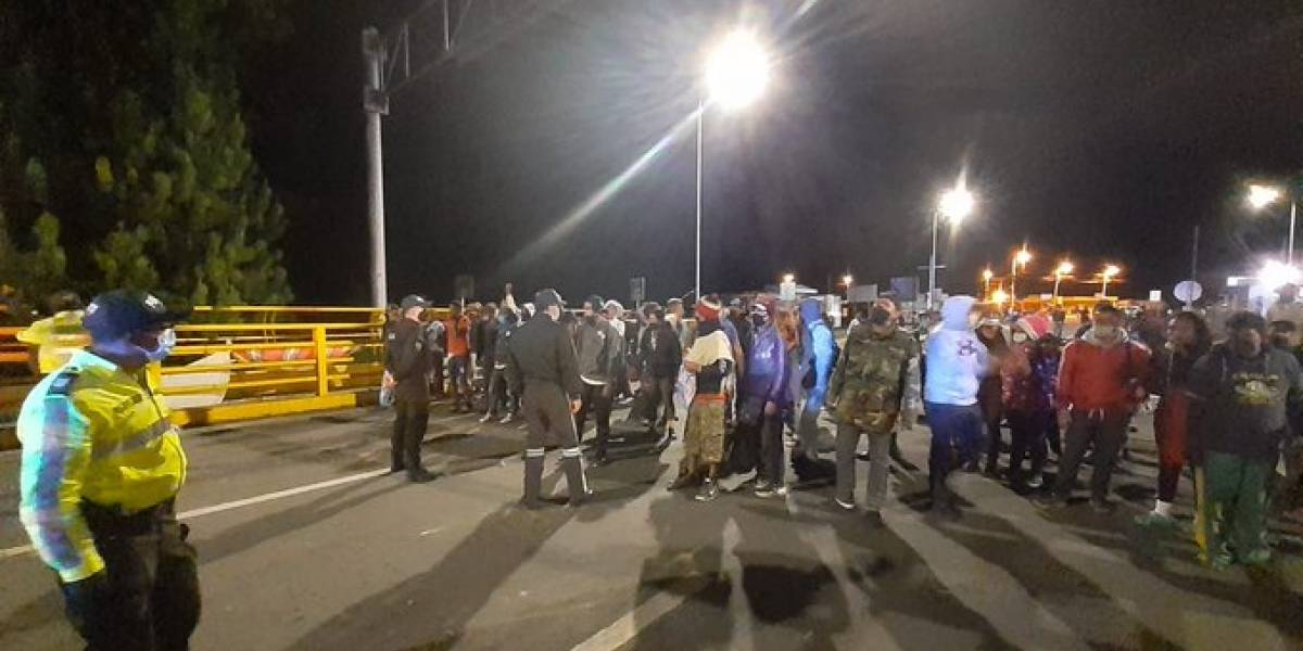 Grupo de migrantes intentó pasar a Colombia a la fuerza