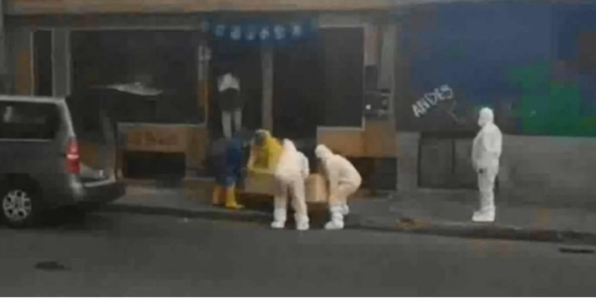 Se confirma COVID-19 en mujer fallecida en calle de Quito