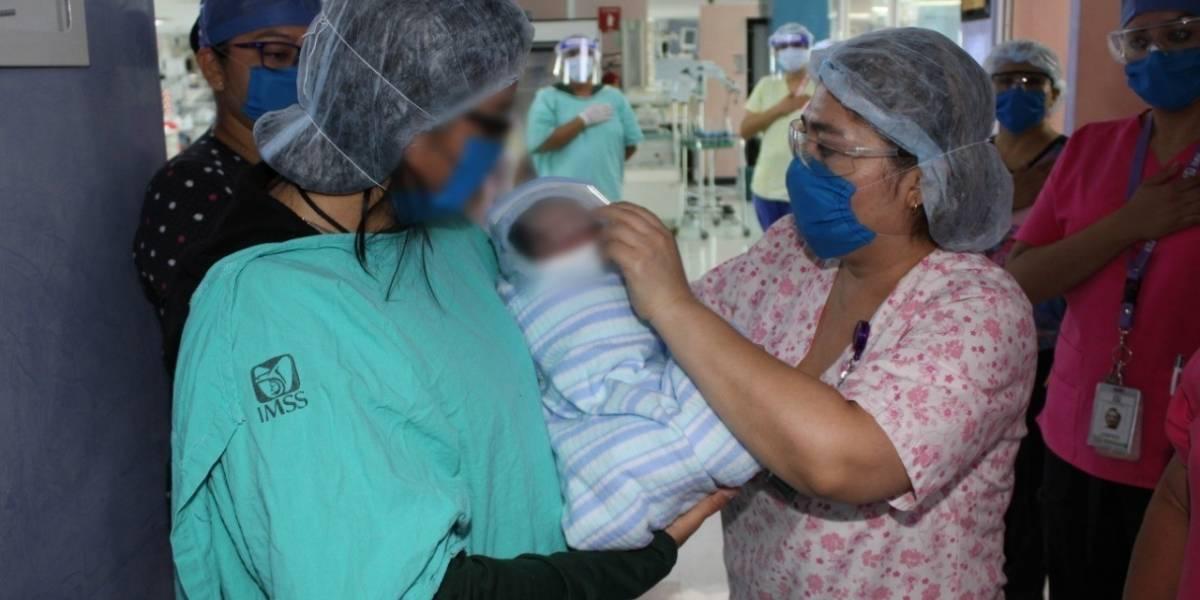 Dan de alta a bebé que nació de madre con Covid-19 en México