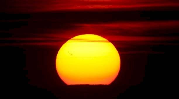 Científicos detectaron una pérdida de brillo en el Sol Reuters