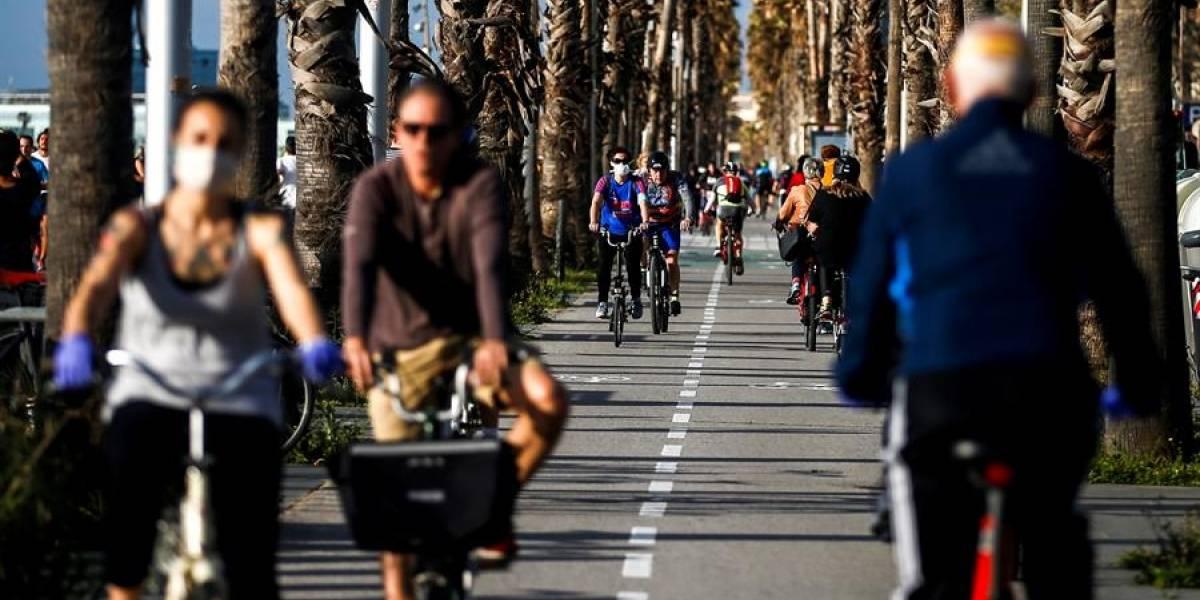 Millones de españoles salen por fin a pasear y hacer deporte
