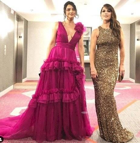 Aislinn Derbez y Alessandra Rosaldo