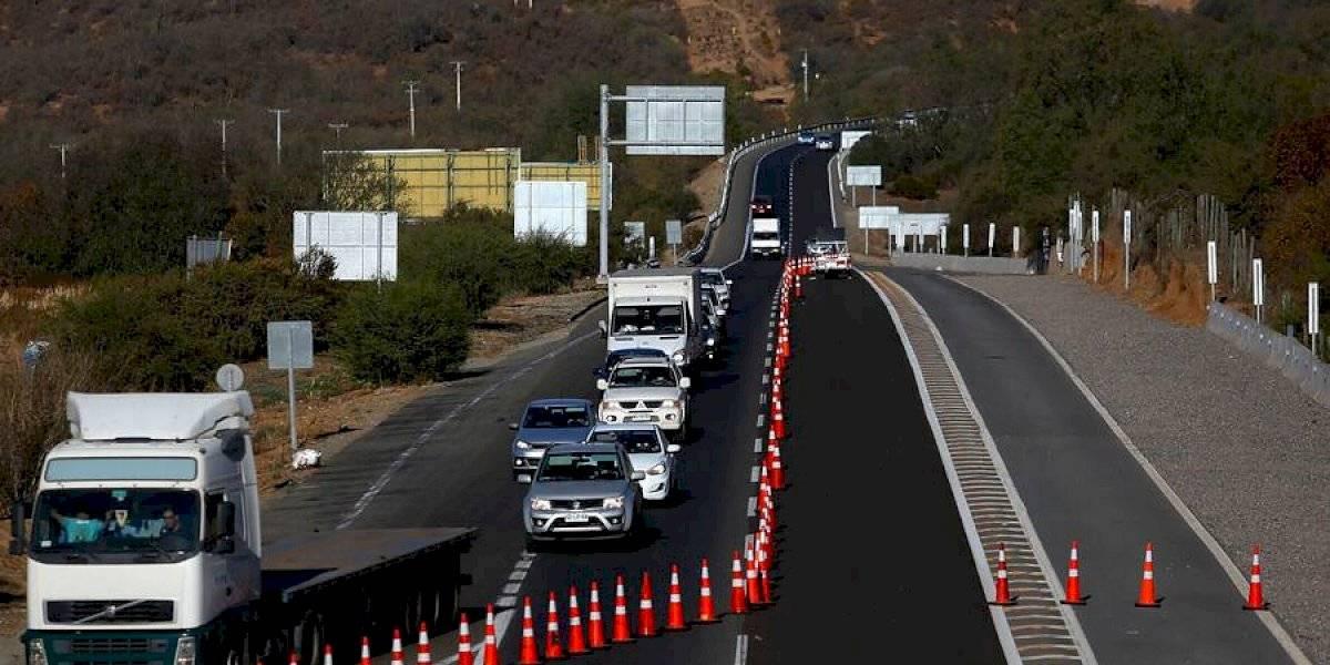 Nuevo balance: más de 10 mil vehículos salieron este viernes de la Región Metropolitana y 558 fueron devueltos
