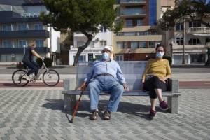 Españoles salen por fin a pasear y hacer deporte