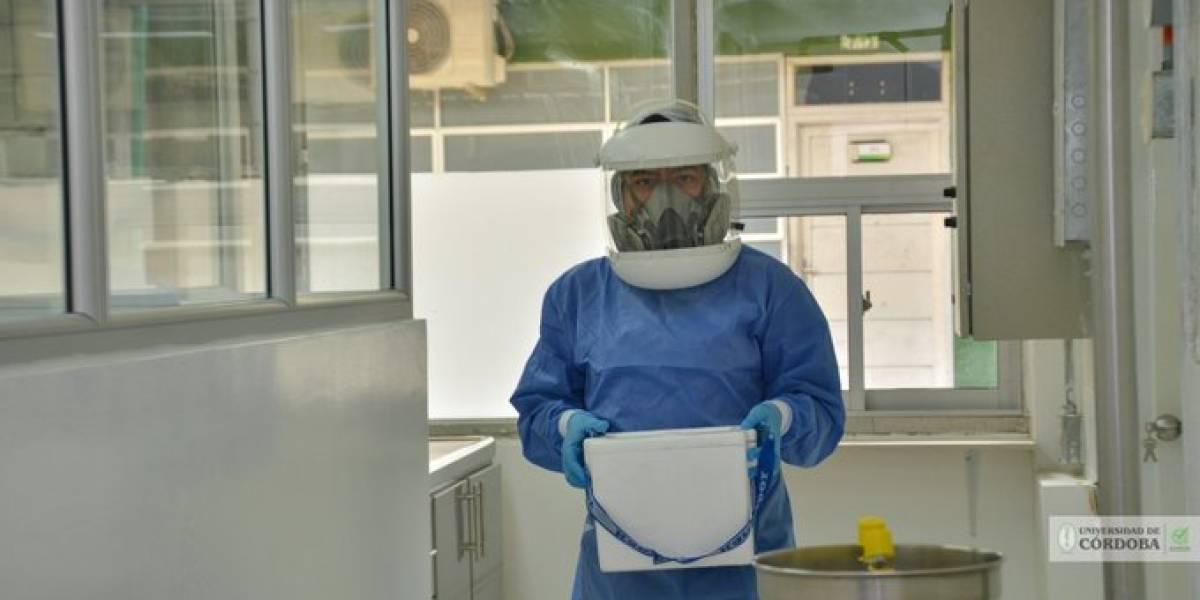 Médico en Bogotá dice suministrar dióxido de cloro a sus pacientes con coronavirus