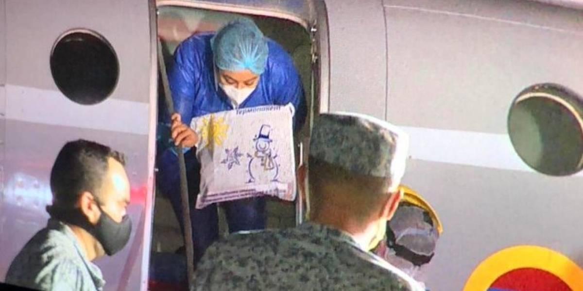 Estudiante colombiana retornó al país en un vuelo humanitario