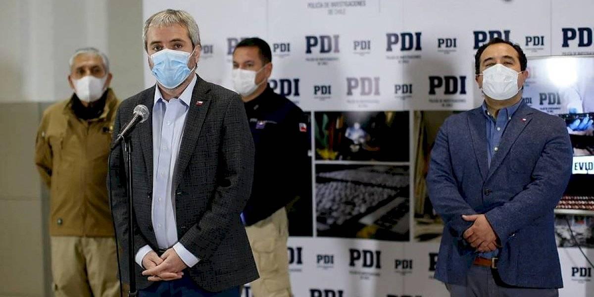 """Ministro Blumel califica de """"estupidez humana"""" fiesta clandestina en Maipú y anuncia querella"""