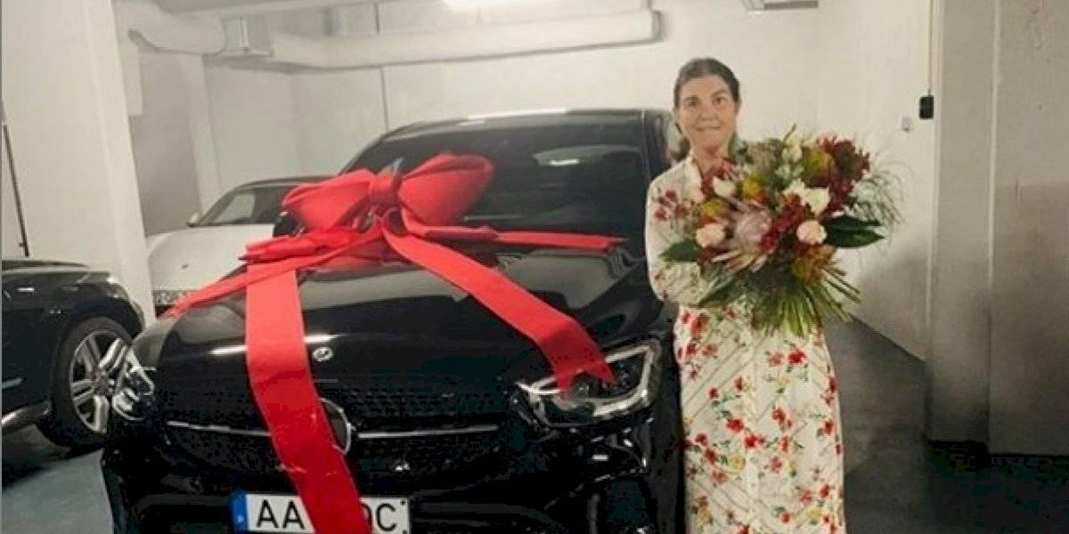 El costoso automóvil que Cristiano Ronaldo le regaló a su madre