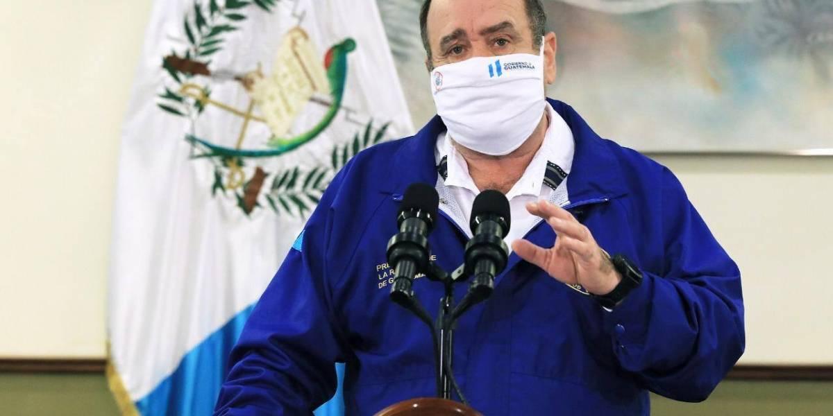 """Giammattei: Gobierno y empresas hacen un """"compromiso público"""" y no cortarán servicios básicos"""