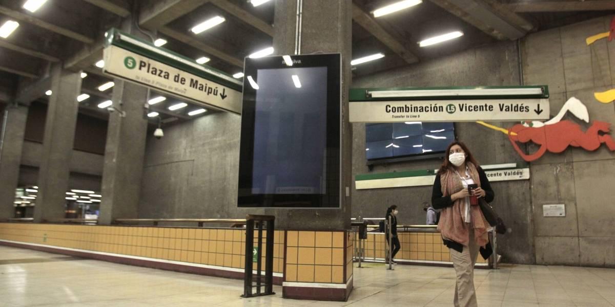 Milagro de mayo: abre estación Baquedano con tres accesos y después de 6 meses cerrada