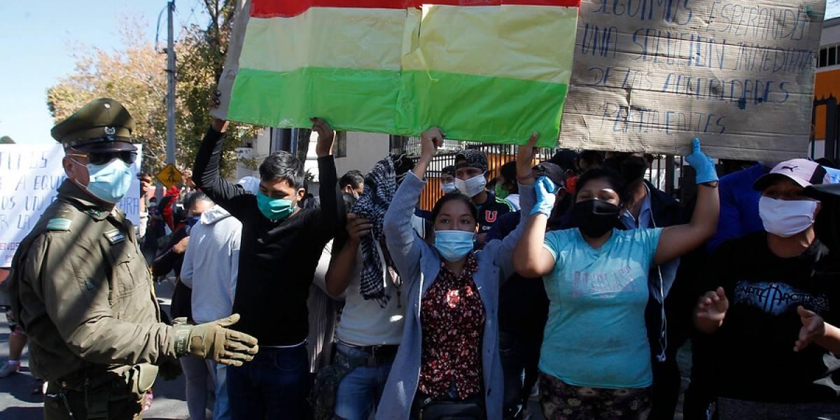 Más de 20 bolivianos que fueron enviados desde Santiago a Iquique dieron positivo por coronavirus