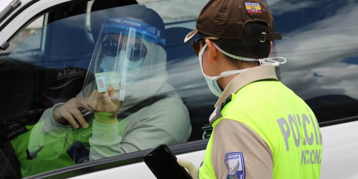 Semáforo rojo en Ecuador: así queda la circulación vehicular