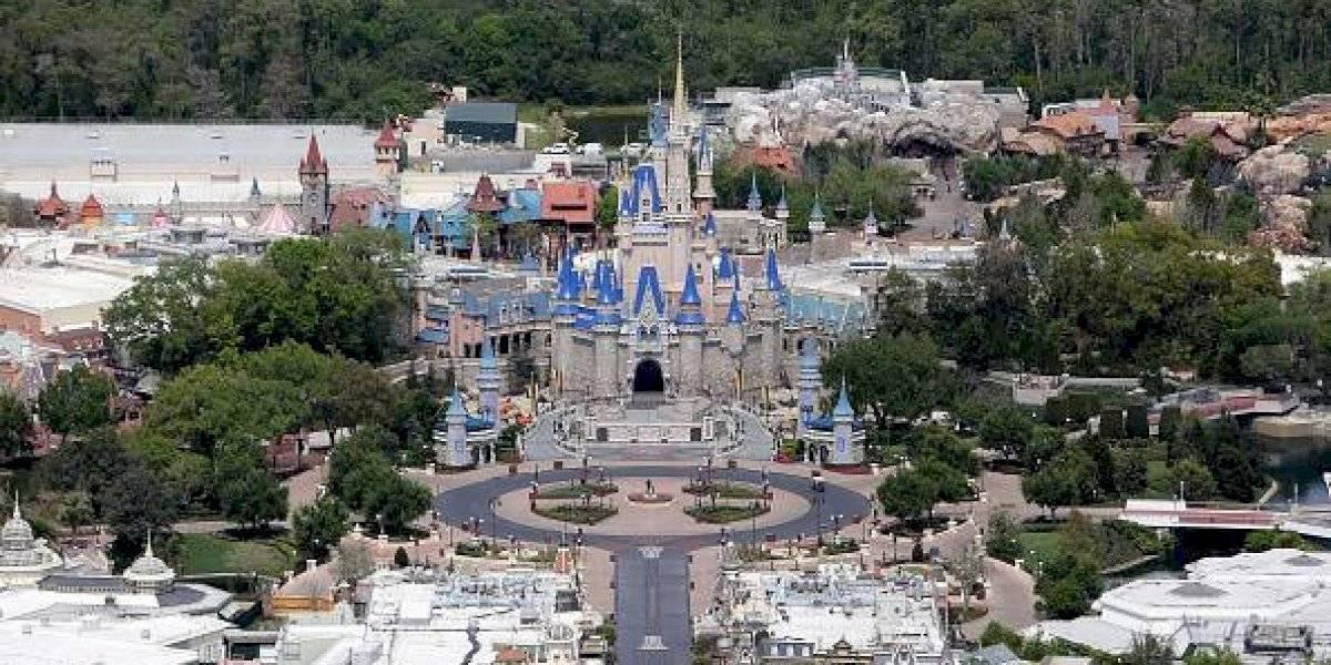 """Detienen a hombre por hacer la cuarentena en una isla de Disney World ya que parecía """"un paraíso tropical"""""""