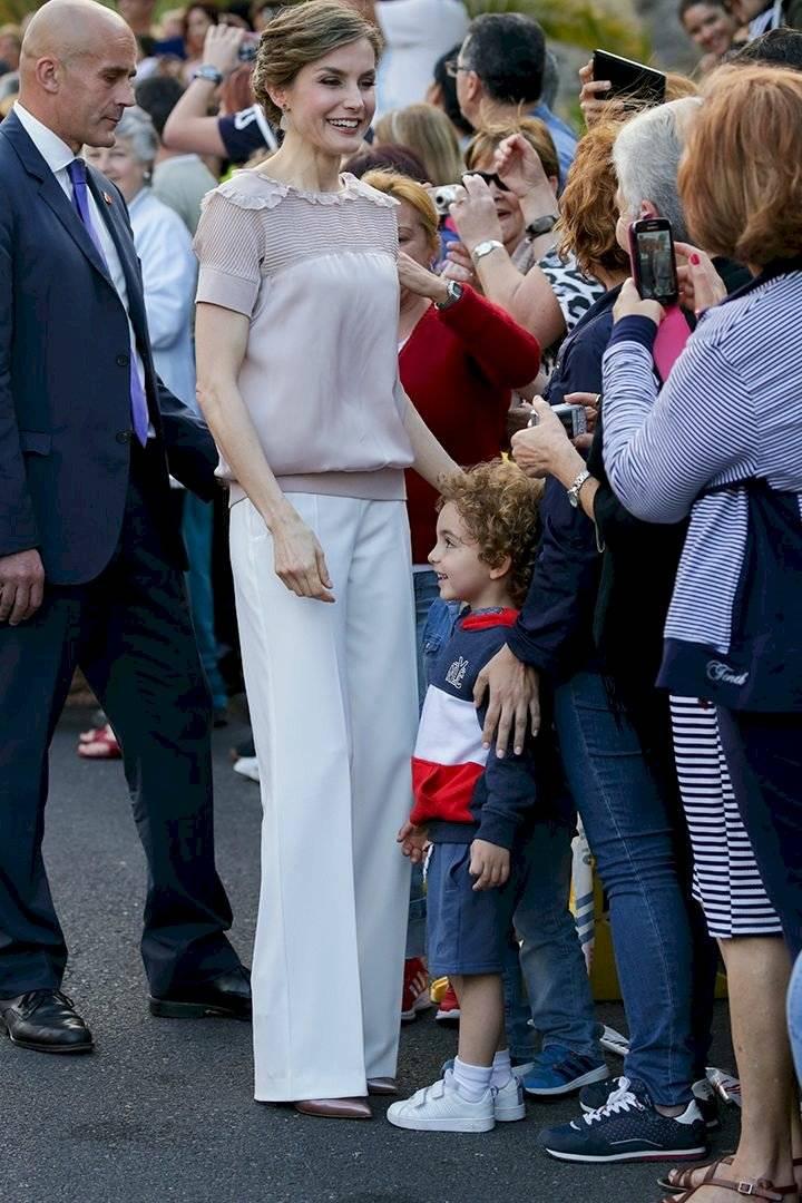 En busca de la perfección, Letizia no solo ha transformado su rostro: Su pueblo reclama que perdió la naturalidad