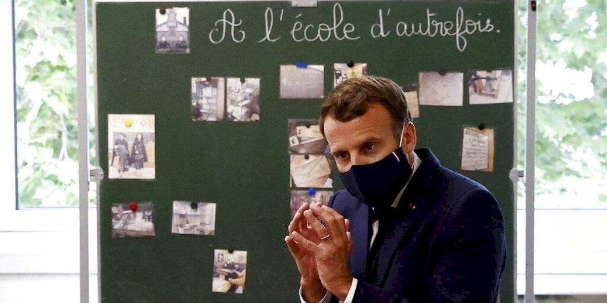 Critican al presidente de Francia por reabrir las escuelas