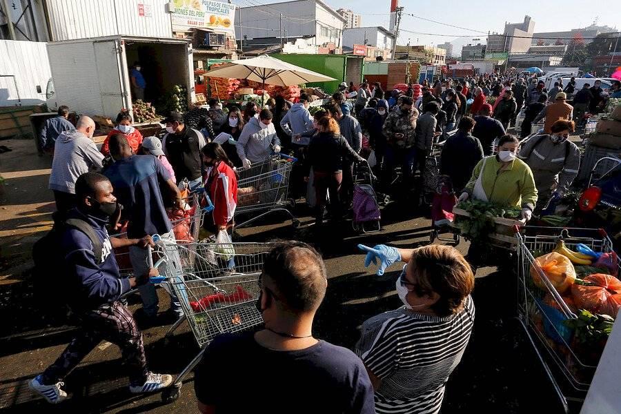 Aglomeraciones en Recoleta / Foto: Aton Chile