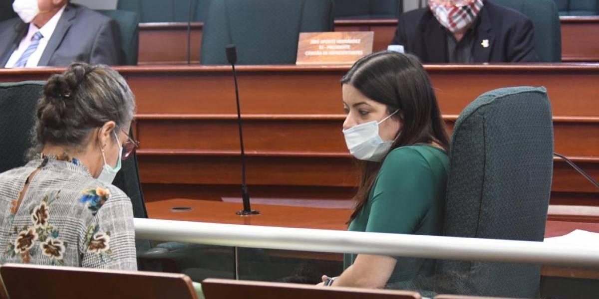 Mabel Cabeza niega intervención en contratos de Salud