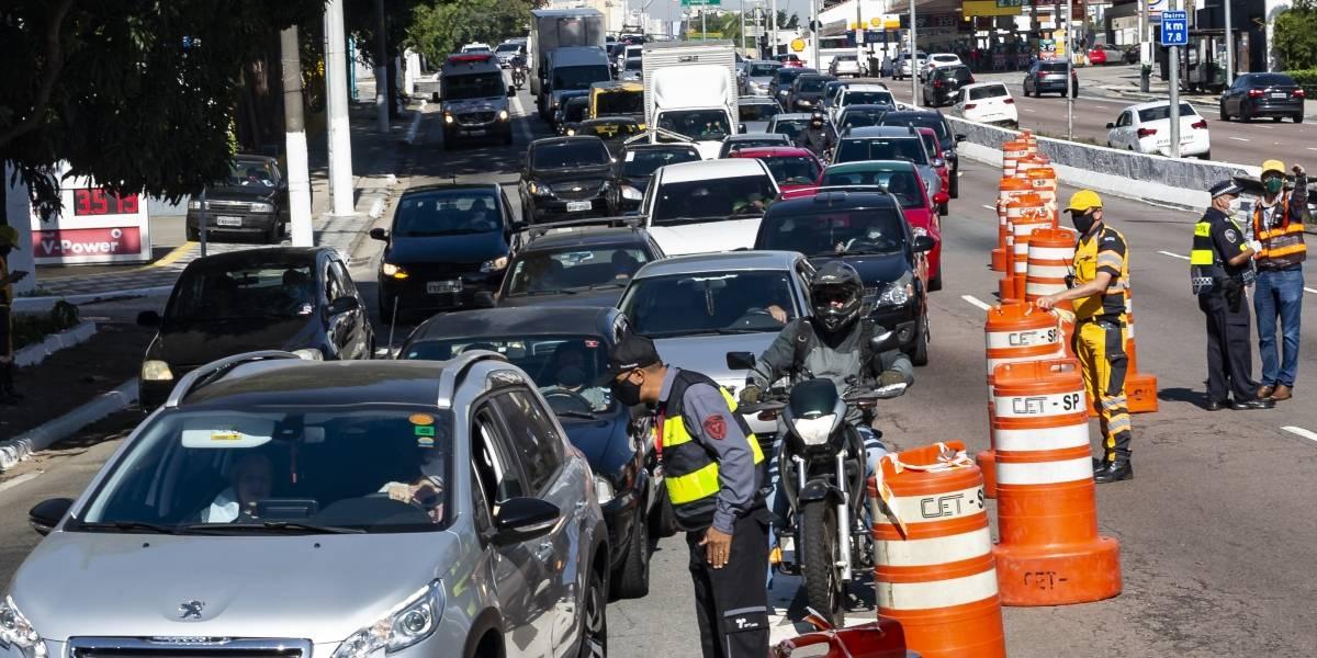 Após reclamações, São Paulo suspende bloqueios em avenidas