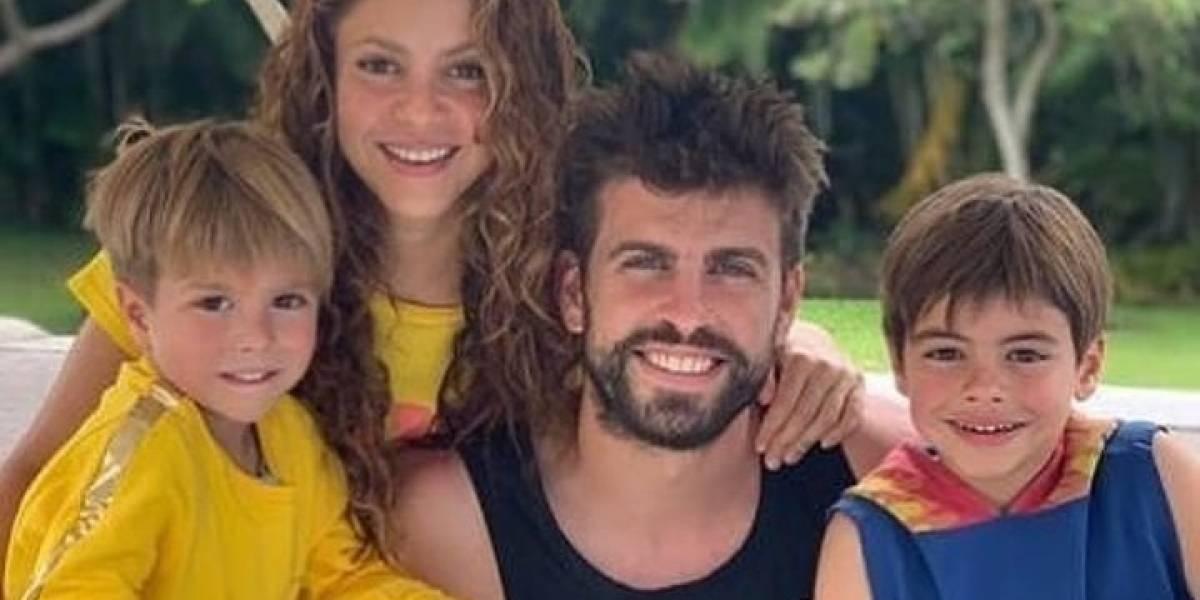 Critican a Shakira y su familia por salir de paseo sin mascarillas