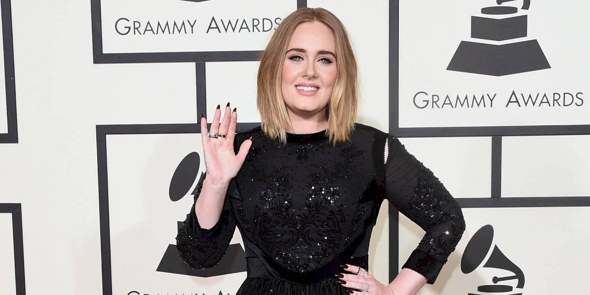 Adele impacta al mostrarse más delgada que nunca y sin maquillaje
