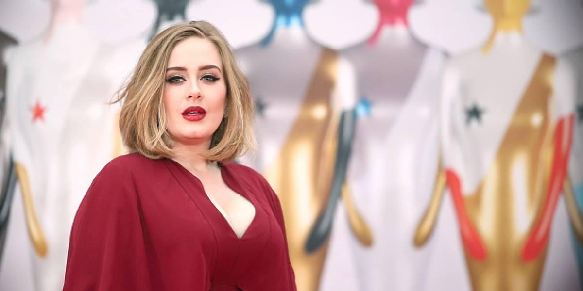 Impactante foto de Adele por su delgadez; los memes no la perdonaron