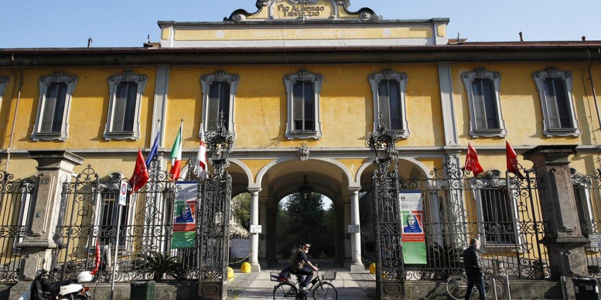 Murieron 300 ancianos en sus instalaciones: la defensa del asilo más mortal en Italia