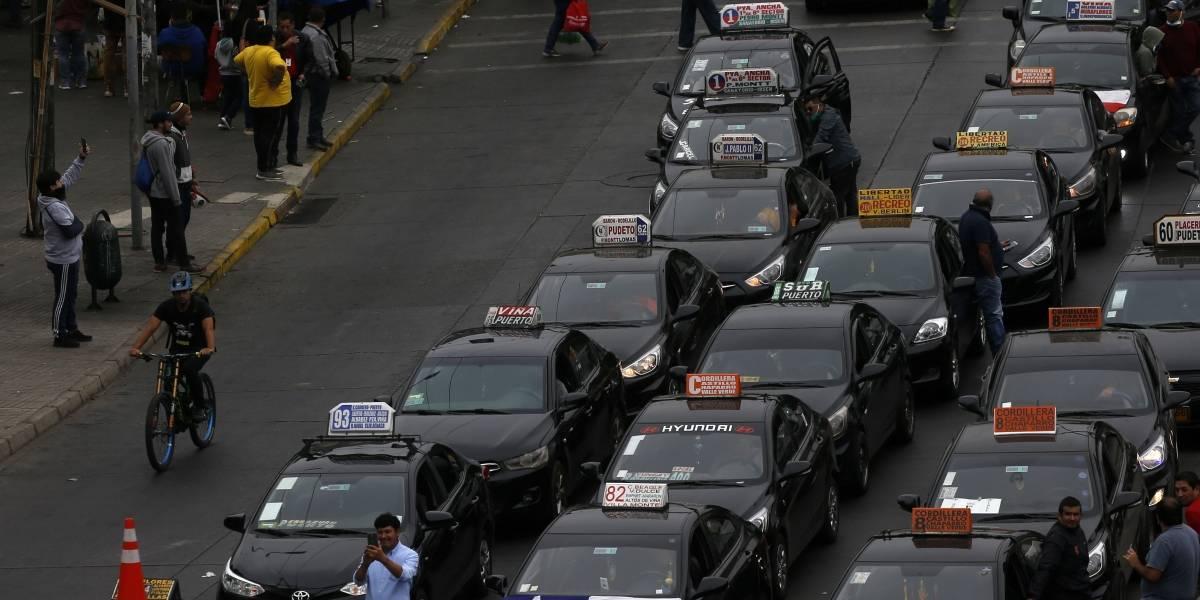 Ante el golpe de la crisis: Colectivos y transportistas escolares exigen ayuda