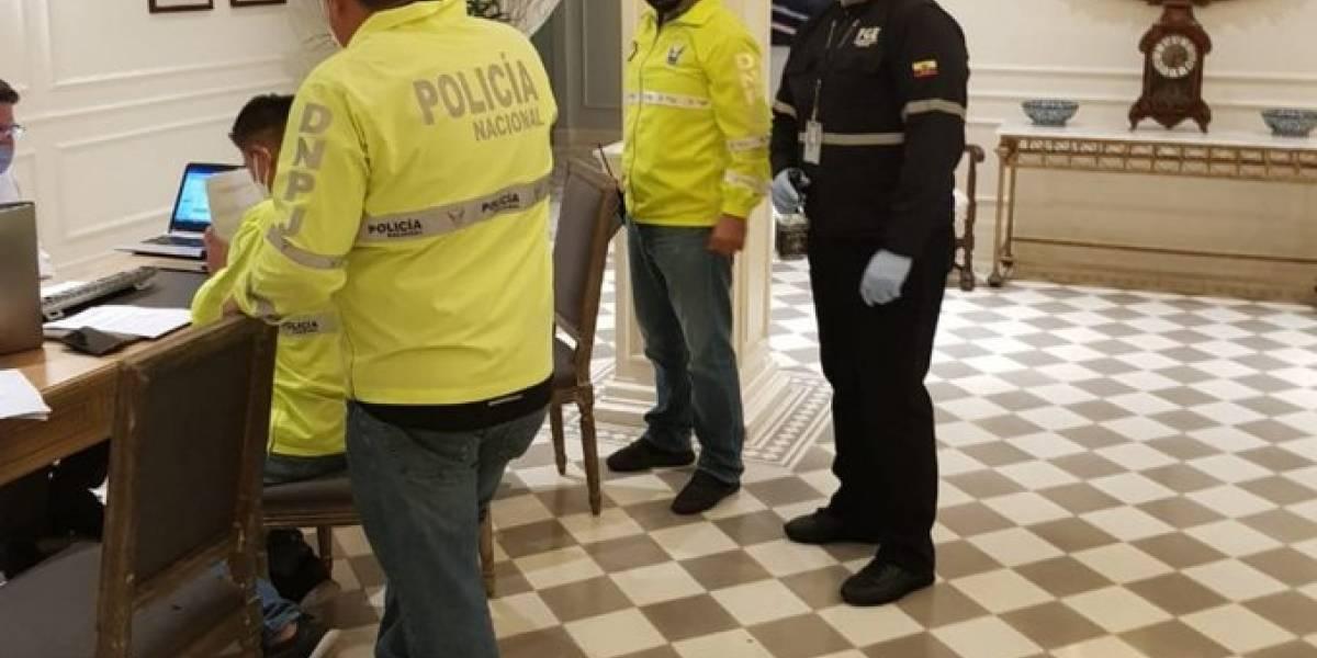 """Guayaquil: 14 personas se """"fugaron"""" del aislamiento luego de llegar en un vuelo humanitario"""
