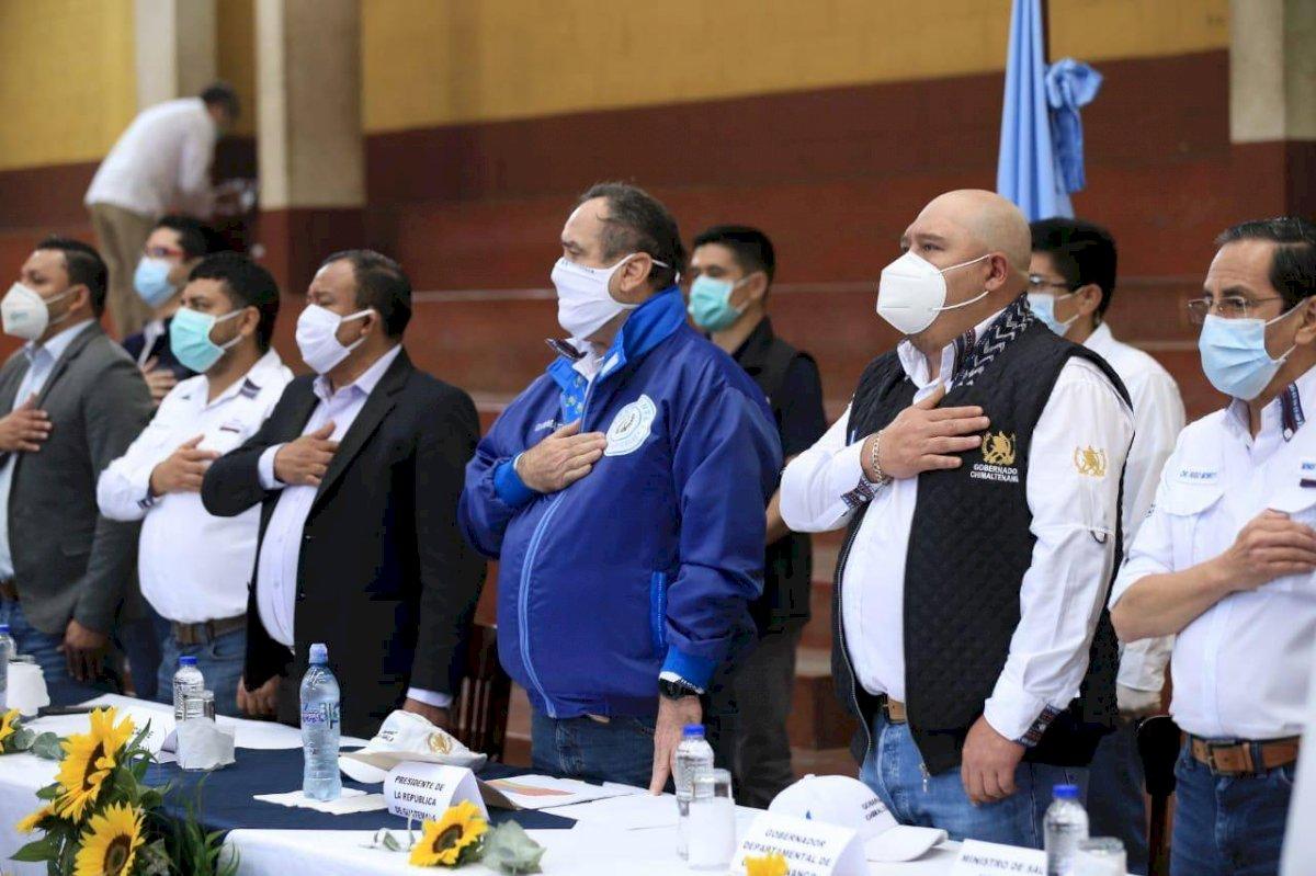 presidente Alejandro Giammattei levanta cordón sanitario en Patzún