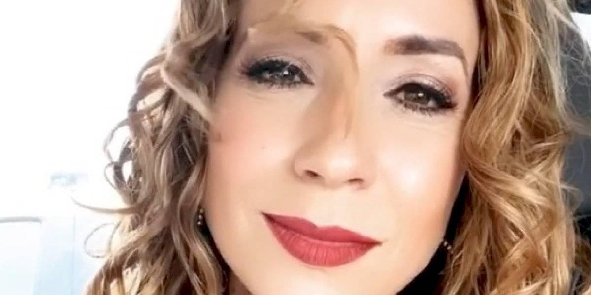 Esbaratá Alexandra Fuentes con la segunda dosis de la vacuna contra COVID-19