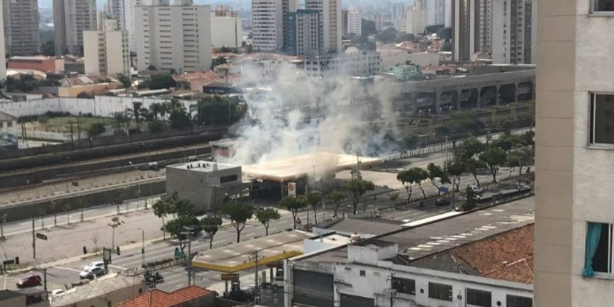 Explosão em posto de combustível deixa 5 feridos na Radial Leste