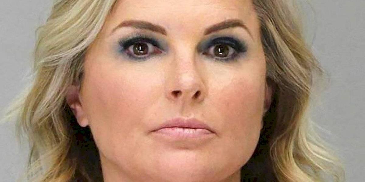 Texas elimina pena de cárcel a quien viole cuarentena tras arresto dueña de salón de belleza