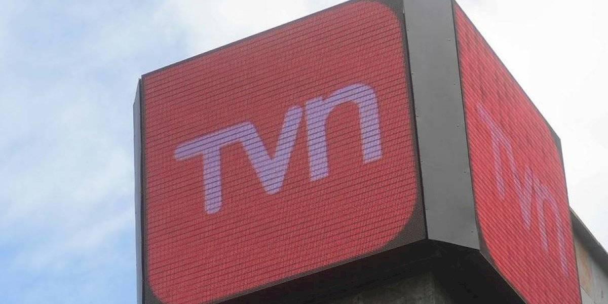 """Director de TVN pide acabar con """"este tema famoso de los rostros"""" y apunta al talento """"más joven y más barato"""""""