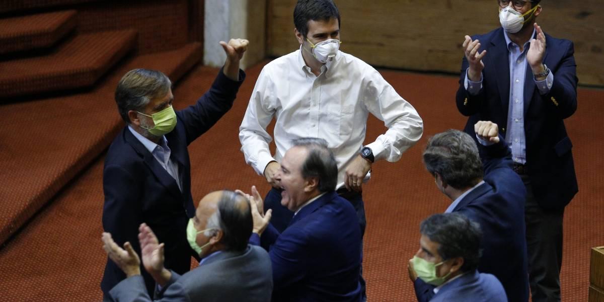 Cámara va a multar a diputados que no utilicen mascarilla para prevenir el coronavirus