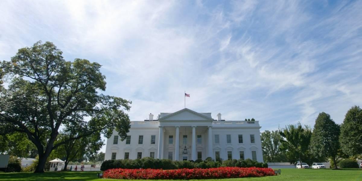 Gobierno de EE. UU. confirma que militar de la Casa Blanca dio positivo por COVID-19
