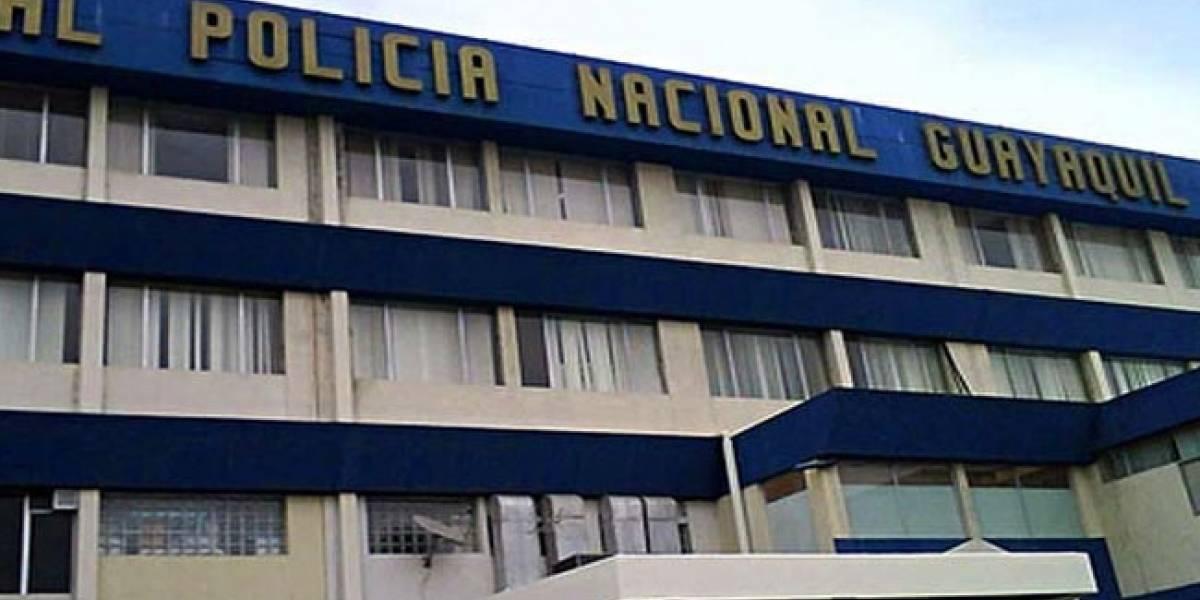Doce detenidos tras allanamiento a hospital de la Policía en Guayaquil