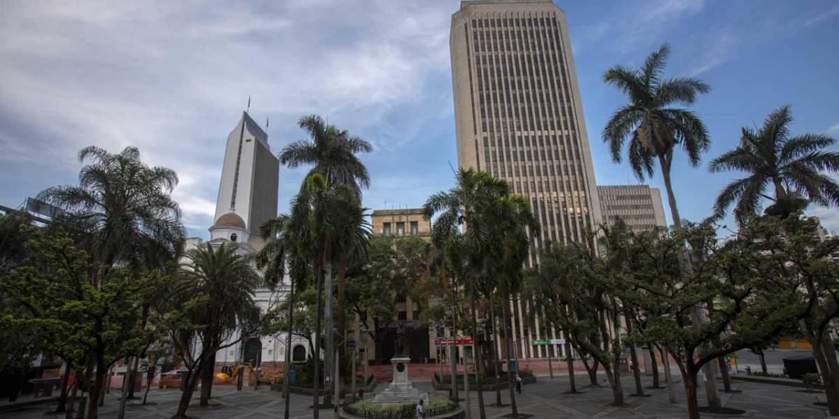 Toque de queda y ley seca, las medidas para el día de la Madre en Medellín