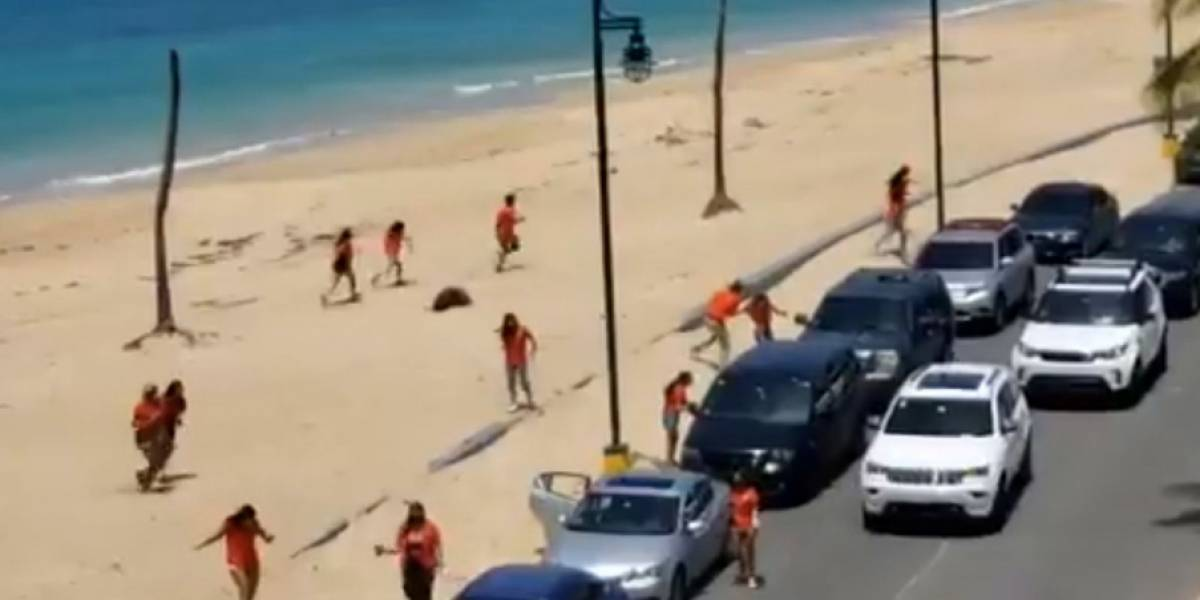 """""""Seniors"""" invaden playa en medio del toque de queda y sin mantener distanciamiento"""
