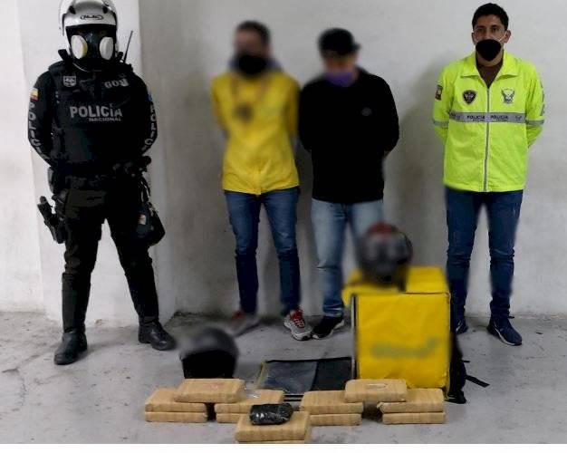 Tres hombres detenidos trasladar droga camuflados como repartidores