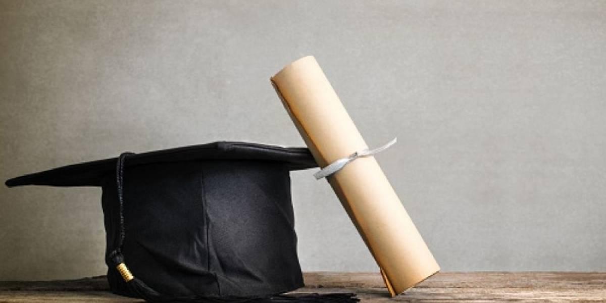 Proponen nueva tablilla para conmemorar graduandos de la Clase 2020