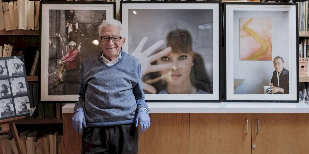 Famoso fotógrafo de guerra vence al COVID-19 a los 97 años