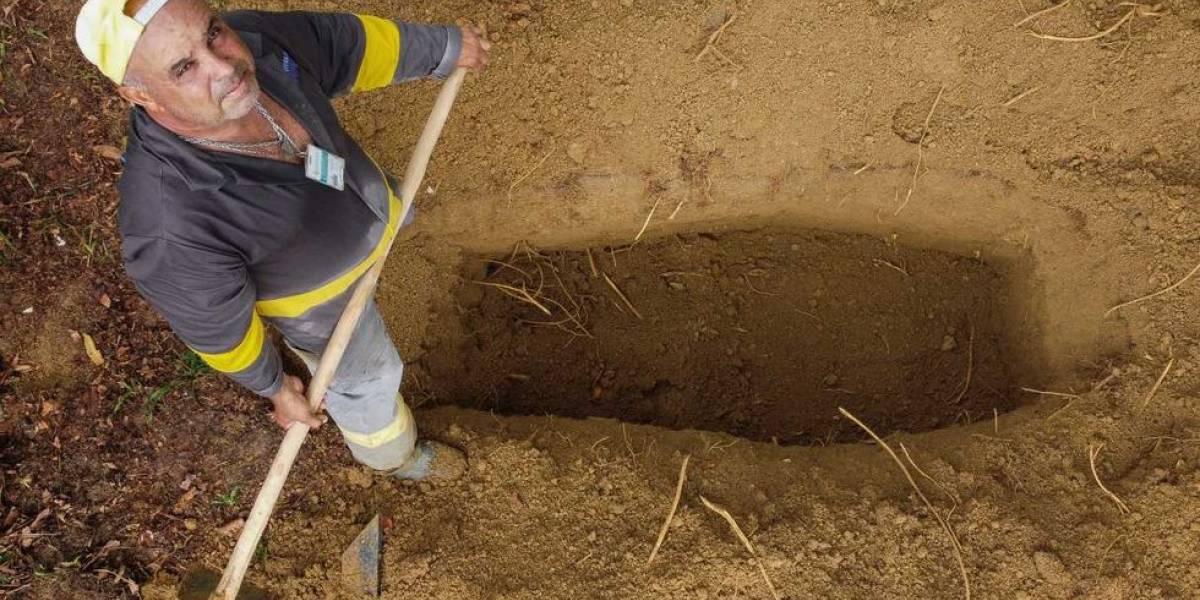Historia del sepulturero que es testigo de la tragedia por COVID-19 en la capital de la Amazonía