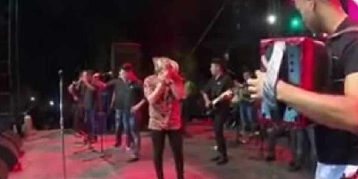 (video) Cantante colombiano fue engañado con un embarazo por su expareja