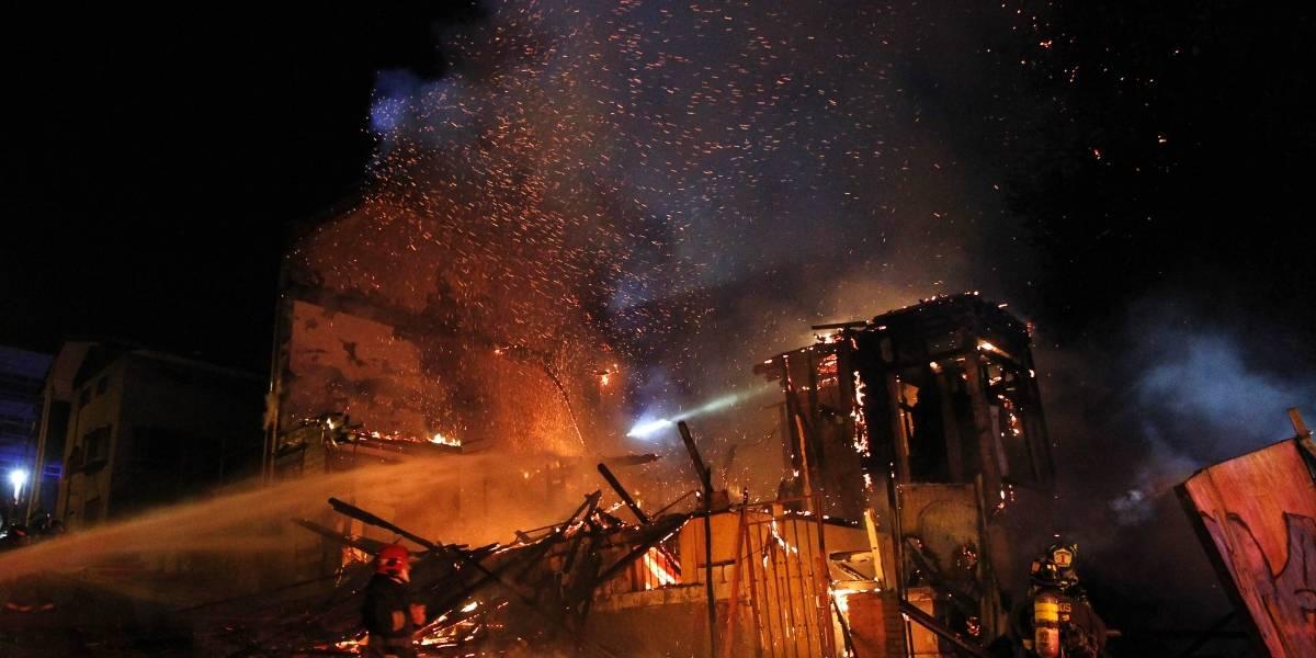"""Investigan incendio en Playa Ancha: """"Existe una hipótesis de que podría ser intencional"""""""