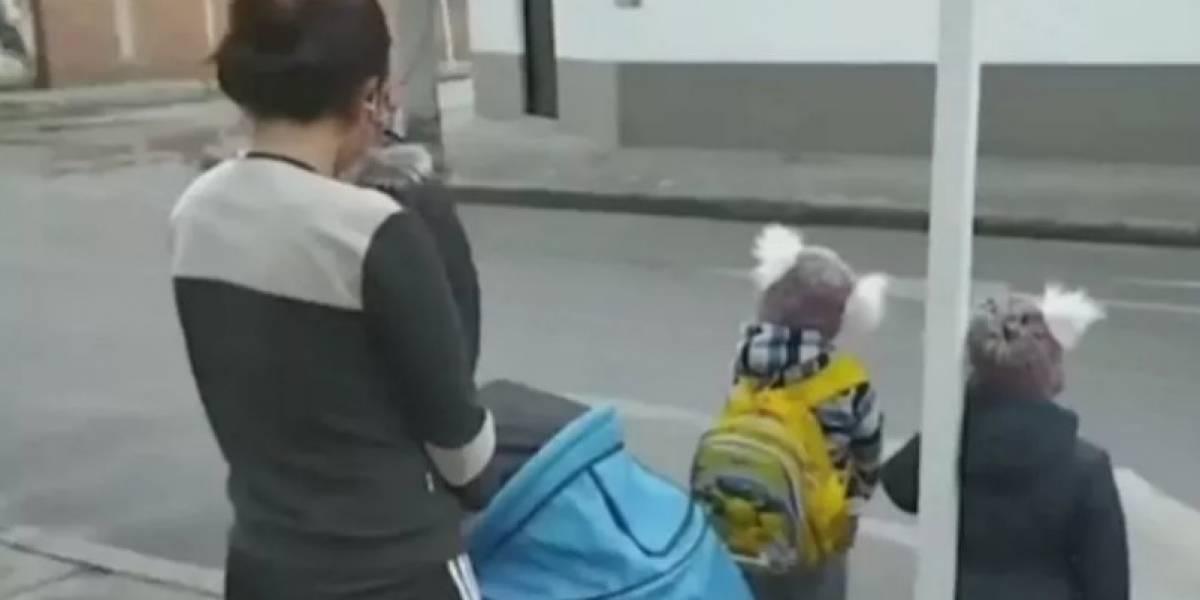 Desalojaron a mamá de tres niños en plena cuarentena