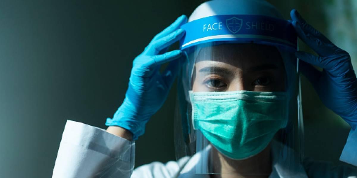 """Hombre se """"estuvo preparando"""" para la pandemia del coronavirus por 20 años"""