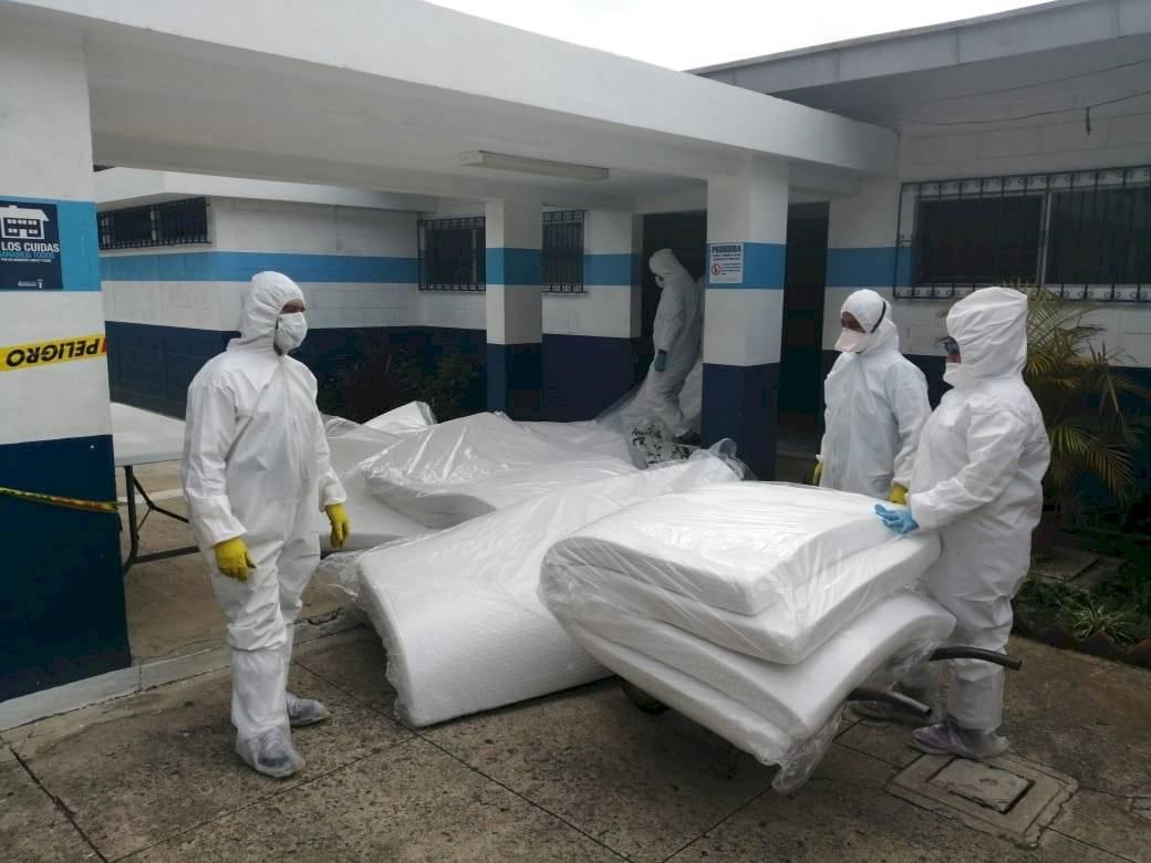 Cambian colchonetas en albergue Ramiro de León Carpio